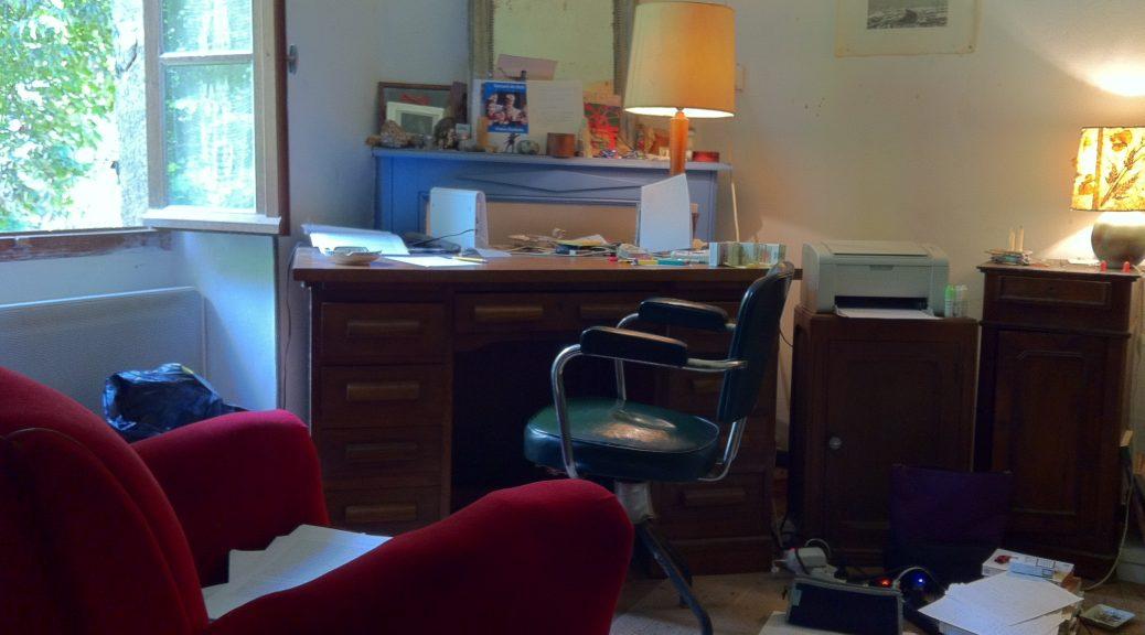 le bureau de pierre michon revue d capage. Black Bedroom Furniture Sets. Home Design Ideas